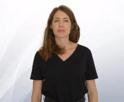 Mme Karine DAVIER
